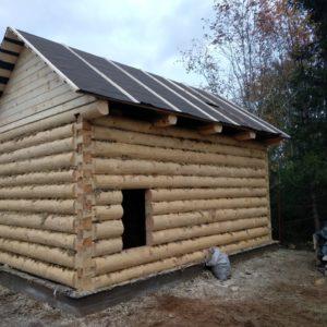 Сруб бани 3 на 6 с двускатной крышей