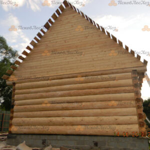 Сруб бани 6 на 6 с двускатной крышей