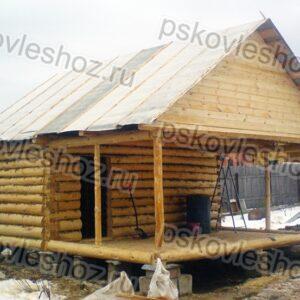 Сруб бани 3 на 6 с верандой и двускатной крышей