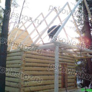 Сруб бани 4 на 5 с верандой 2м. под общей двускатной крышей